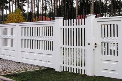 Exclusive-Driveway-Gate-Entrance-Gates-Hardwood-white